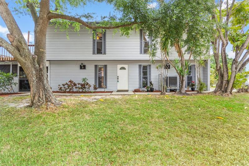 Image for property 1801 NEW HAMPSHIRE AVENUE, ST PETERSBURG, FL 33703