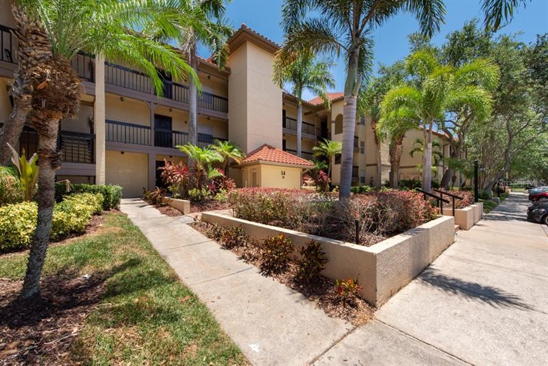Image for property 2400 FEATHER SOUND DRIVE 1414, CLEARWATER, FL 33762