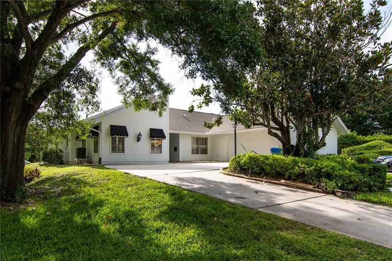 Image for property 849 APALACHEE DRIVE, ST PETERSBURG, FL 33702