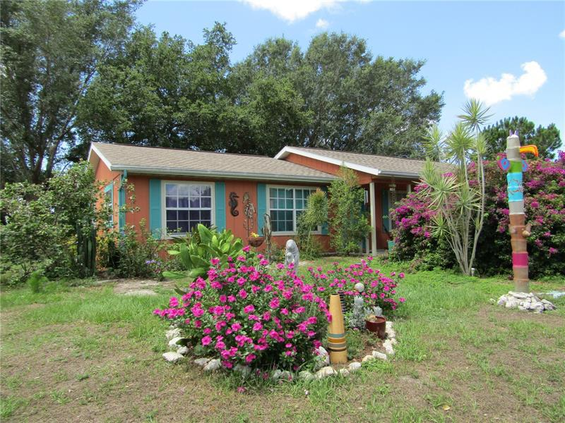 Image for property 11137 WATERFORD AVENUE, ENGLEWOOD, FL 34224