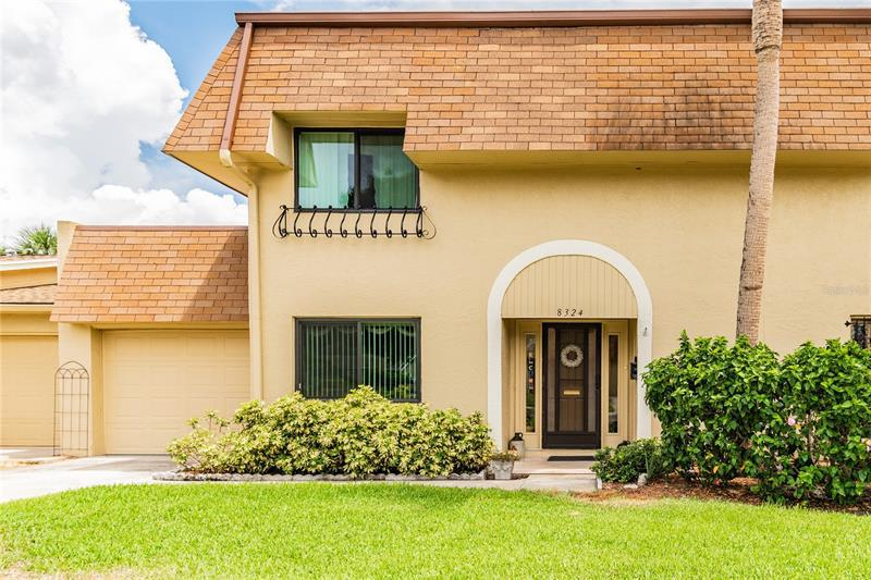 Image for property 8324 17TH STREET, ST PETERSBURG, FL 33702