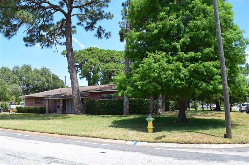 Image for property 7001 34TH AVENUE, ST PETERSBURG, FL 33710