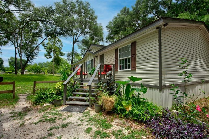 Image for property 17438 LAWLESS ROAD, SPRING HILL, FL 34610