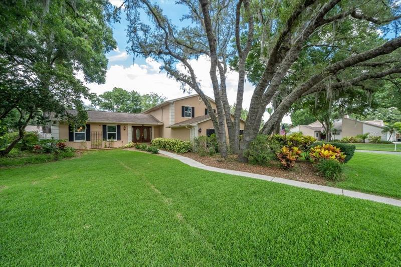 Image for property 4501 OLD SAYBROOK AVENUE, TAMPA, FL 33624