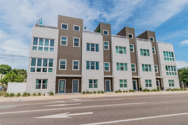 Image for property 341 8TH STREET, ST PETERSBURG, FL 33701