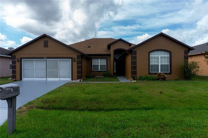 Image for property 220 AMESBURY LANE, KISSIMMEE, FL 34758