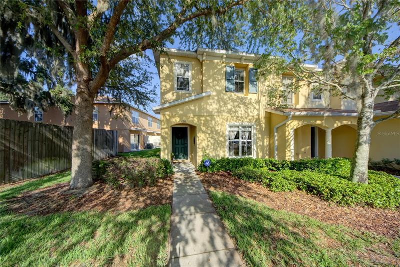 Image for property 6916 HAWTHORNE TRACE LANE, RIVERVIEW, FL 33578