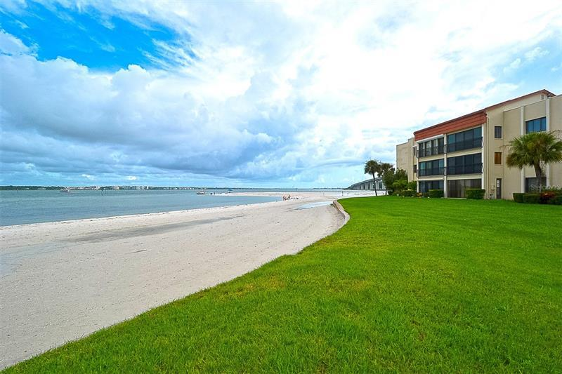 Image for property 825 GULFVIEW BOULEVARD 311, CLEARWATER, FL 33767