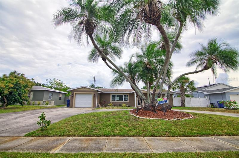 Image for property 6115 49TH AVENUE, KENNETH CITY, FL 33709