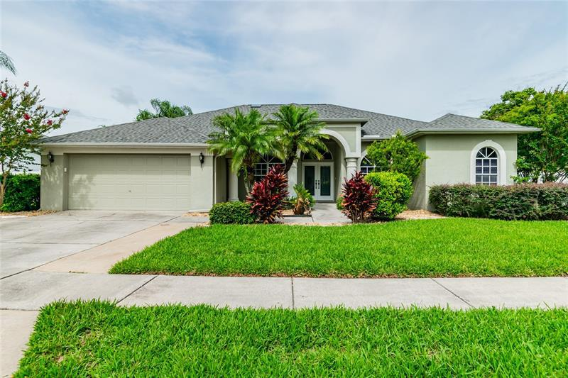 Image for property 1247 WILLOW BEND WAY, LUTZ, FL 33549