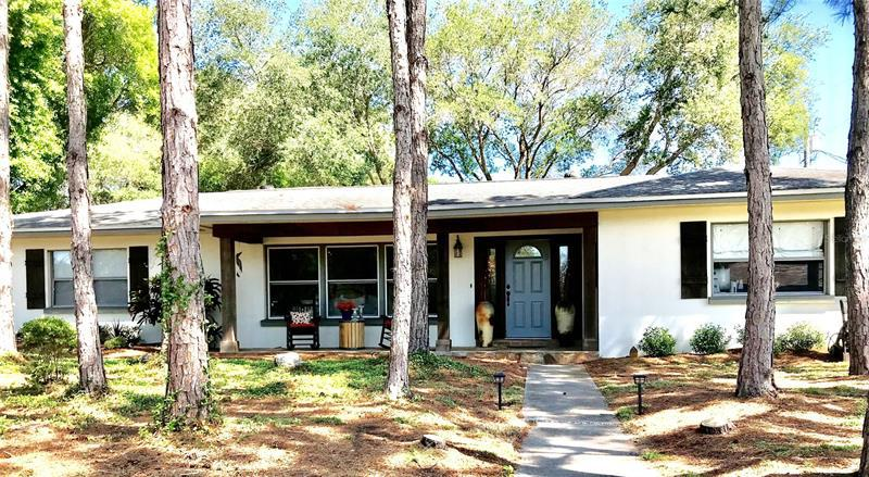 Image for property 32 SOUTHWIND DRIVE, BELLEAIR BLUFFS, FL 33770