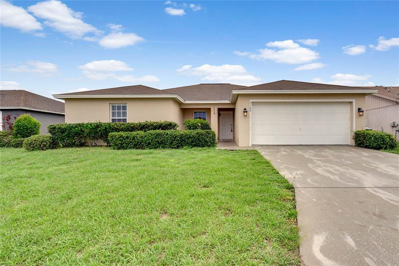 Image for property 7160 SUMMIT DRIVE, WINTER HAVEN, FL 33884