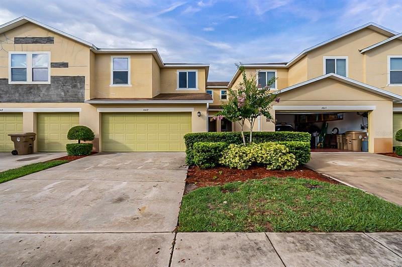 Image for property 1009 CHALCEDONY STREET, KISSIMMEE, FL 34744