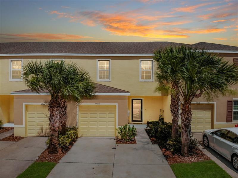 Image for property 9924 HOUND CHASE DRIVE, GIBSONTON, FL 33534