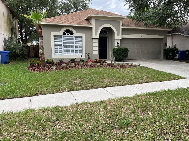 Image for property 932 GRAND CANYON DRIVE, VALRICO, FL 33594