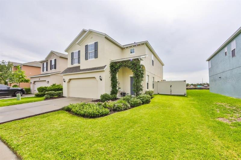 Image for property 10223 NEWMINSTER LOOP, RUSKIN, FL 33573