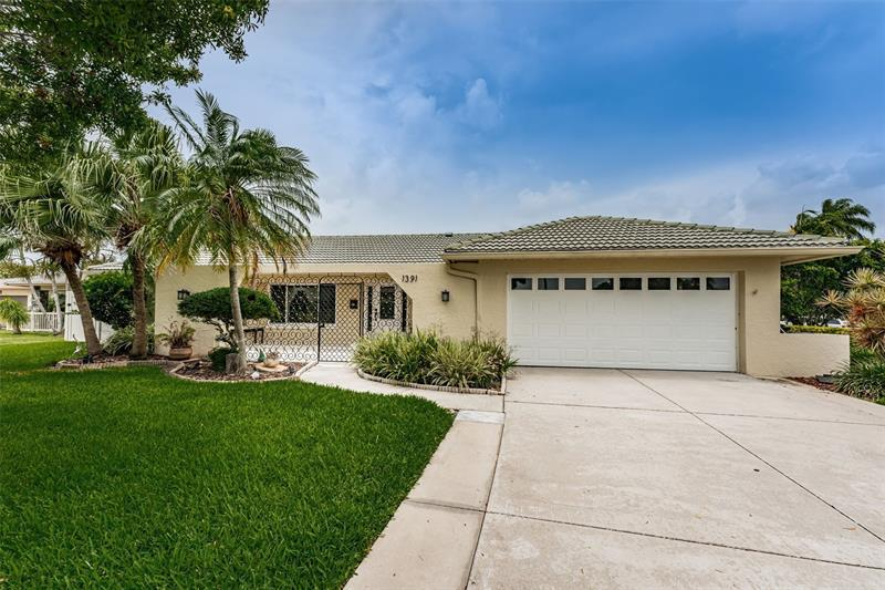 Image for property 1391 50TH AVENUE, ST PETERSBURG, FL 33703