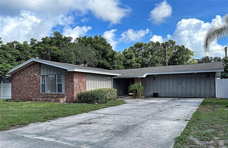 Image for property 117 SHELLEY DRIVE, WINTER HAVEN, FL 33884