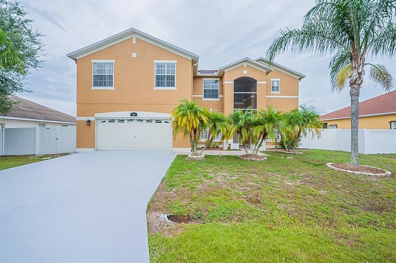 Image for property 405 BRIDGEWATER COURT, KISSIMMEE, FL 34758