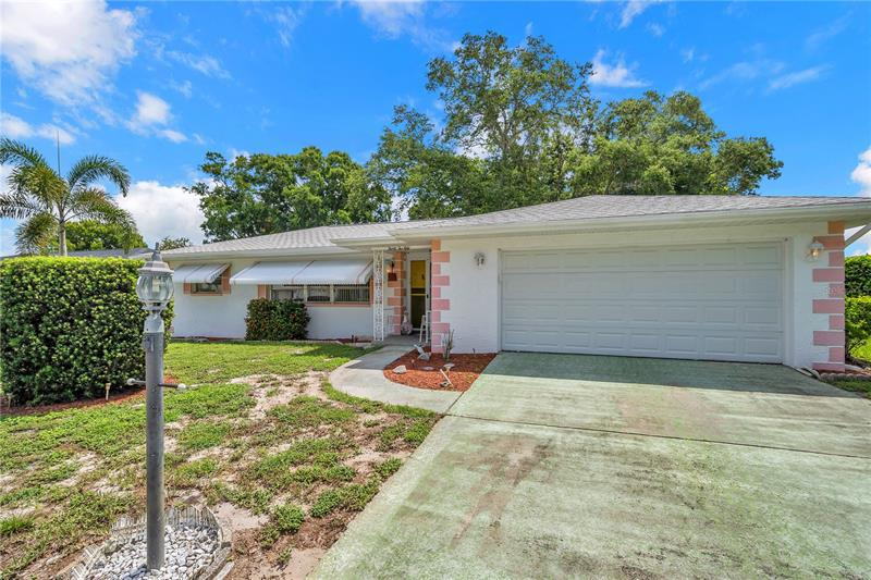 Image for property 3250 PARKWAY PLACE, PALM HARBOR, FL 34684