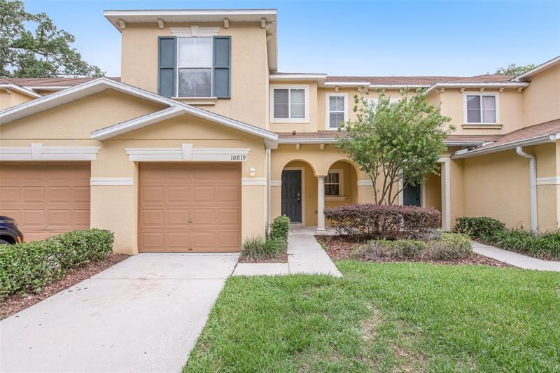 Image for property 10819 GREAT CARLISLE COURT, RIVERVIEW, FL 33578