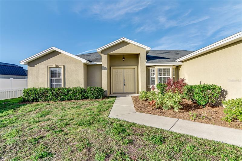 Image for property 4902 ST JAMES DRIVE, WINTER HAVEN, FL 33881