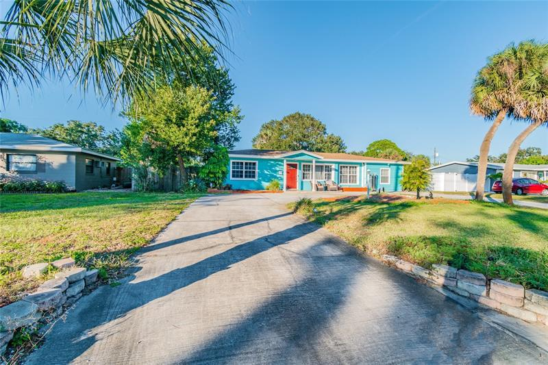 Image for property 6711 9TH AVENUE, ST PETERSBURG, FL 33710