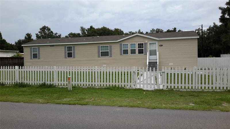 Image for property 10471 TIMUCUAN ROAD, SUMMERFIELD, FL 34491