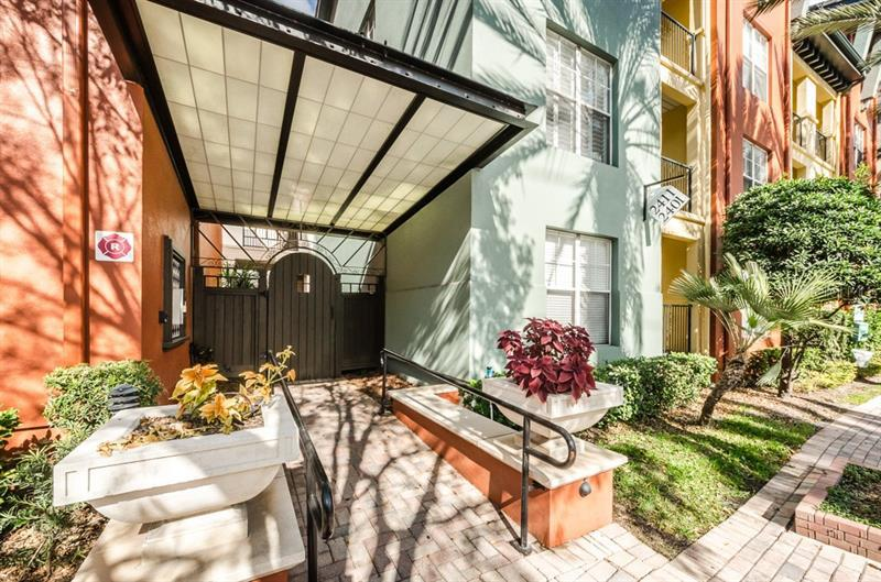 Image for property 2421 HORATIO STREET 833, TAMPA, FL 33609