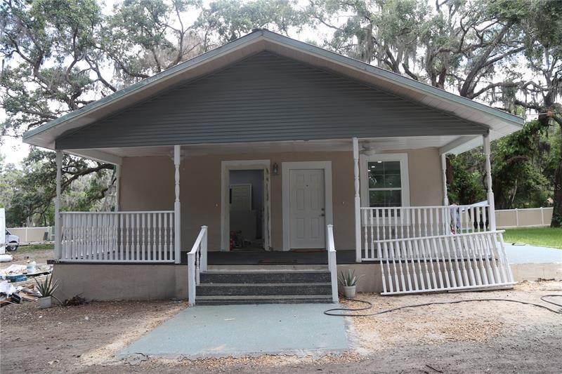 Image for property 120 SKYWOOD DRIVE, VALRICO, FL 33594