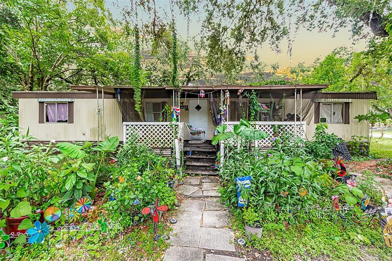 Image for property 2922 147TH AVENUE, LUTZ, FL 33559