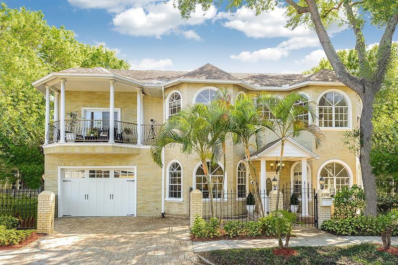 Image for property 2308 JETTON AVENUE, TAMPA, FL 33629