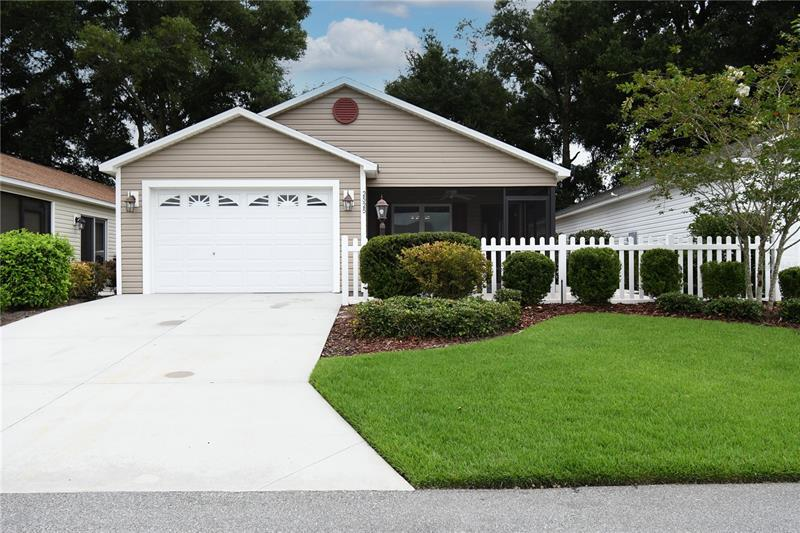 Image for property 2525 PRICE PLACE, THE VILLAGES, FL 32163