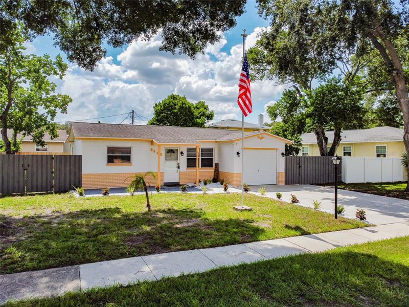 Image for property 8446 5TH STREET, ST PETERSBURG, FL 33702