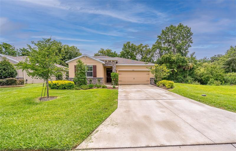 Image for property 12322 EASTPOINTE DRIVE, DADE CITY, FL 33525