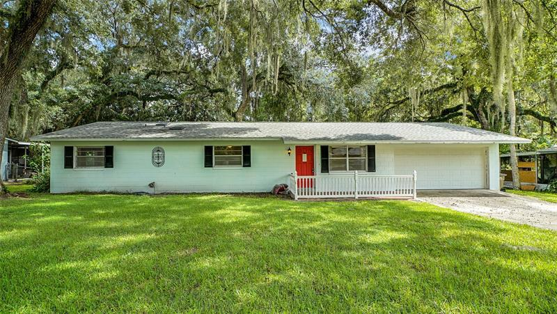 Image for property 4004 PALM DRIVE, LEESBURG, FL 34748