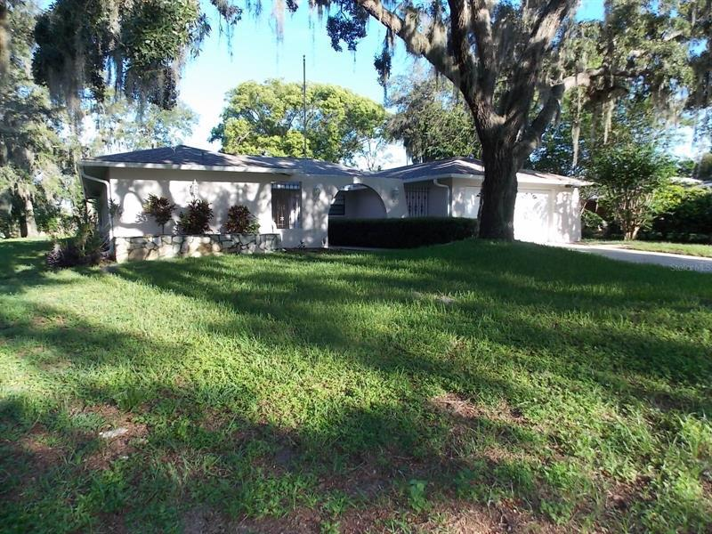Image for property 7526 LAKE FOREST CIRCLE, PORT RICHEY, FL 34668