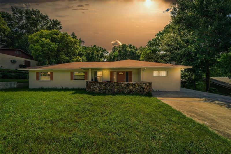 Image for property 240 HILLSIDE DRIVE, CLERMONT, FL 34711