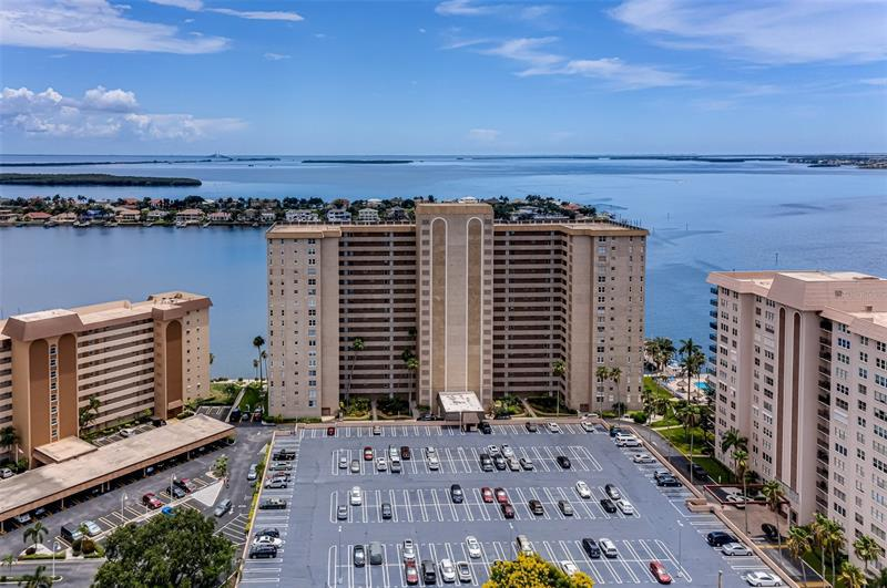 Image for property 5200 BRITTANY DRIVE 906, ST PETERSBURG, FL 33715