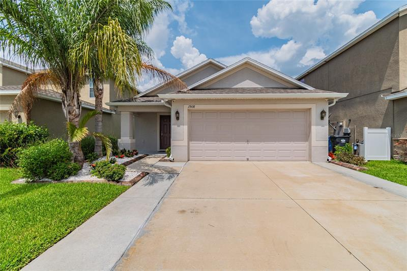 Image for property 1908 HAWKS VIEW DRIVE, RUSKIN, FL 33570