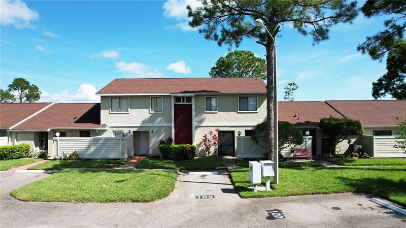 Image for property 102 PINE ISLAND CIRCLE, KISSIMMEE, FL 34743
