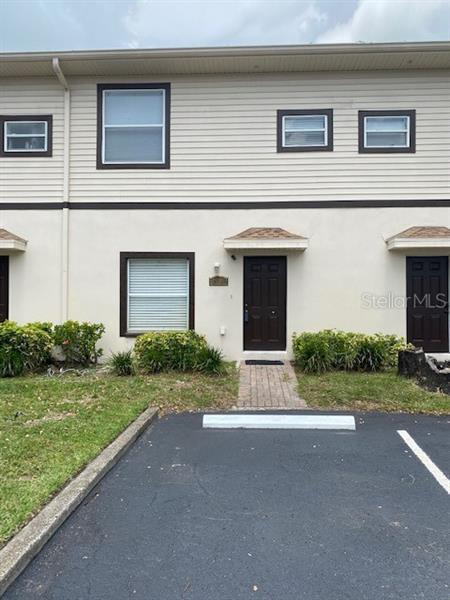 Image for property 2108 OAK CHACE CT, TAMPA, FL 33613