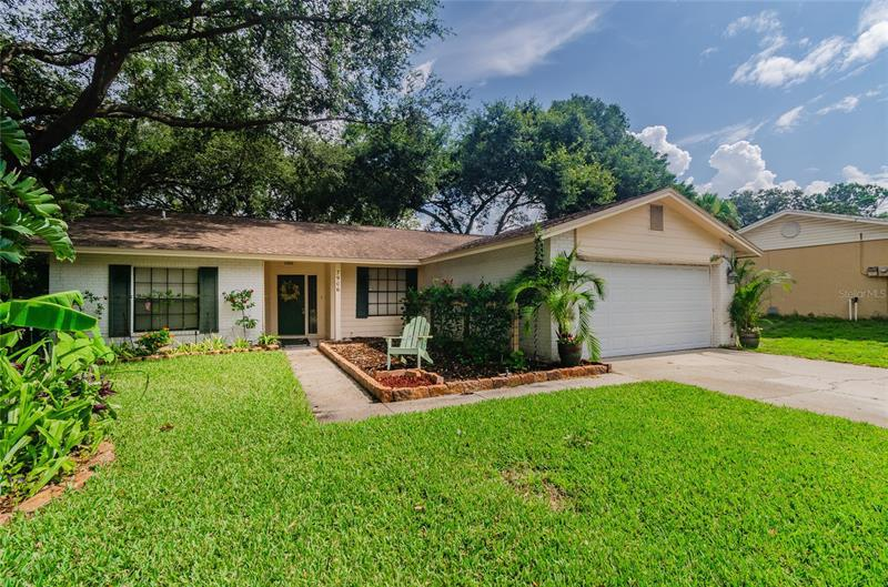 Image for property 7906 SHORE BLUFF CT, TEMPLE TERRACE, FL 33637