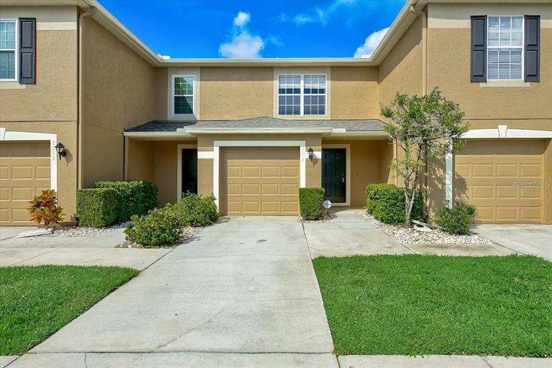 Image for property 8517 EDGEWATER PLACE, TAMPA, FL 33615