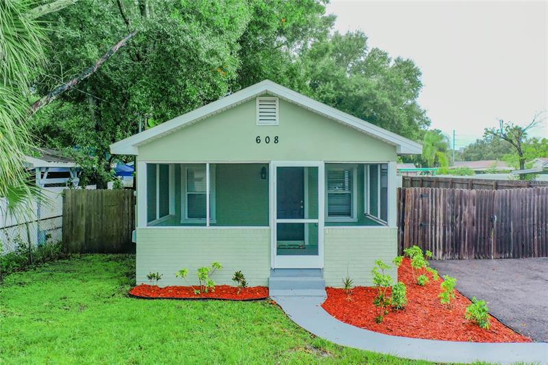 Image for property 608 LINCOLN AVENUE, TAMPA, FL 33609