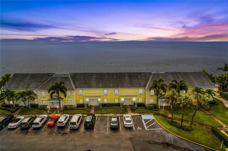 Image for property 4958 COQUINA KEY DRIVE 4958, ST PETERSBURG, FL 33705