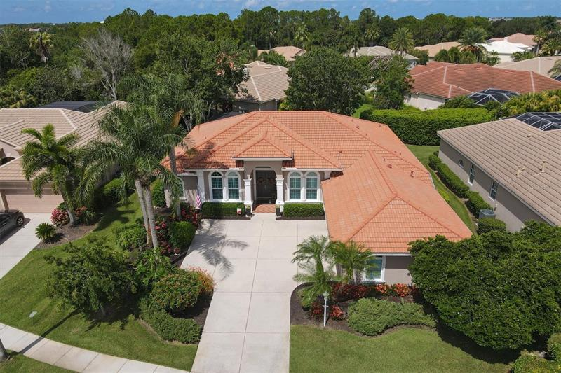 Image for property 8102 WATERVIEW BOULEVARD, LAKEWOOD RANCH, FL 34202