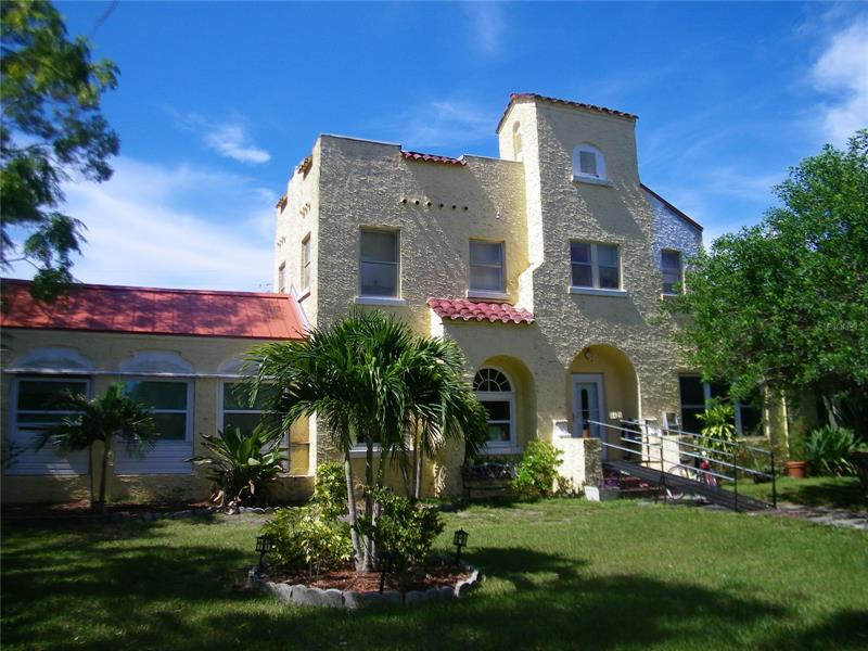 Image for property 6425 EMERSON AVENUE, ST PETERSBURG, FL 33707