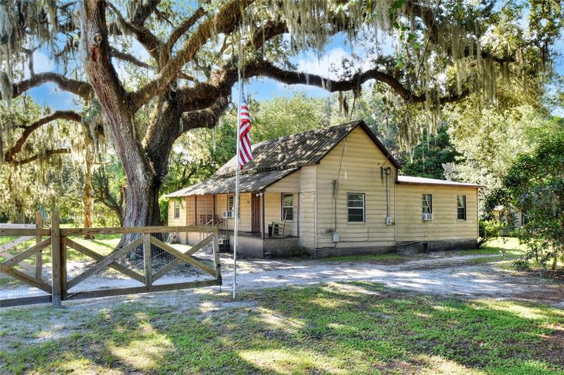 Image for property 2630 WIREGRASS ROAD, LAKELAND, FL 33810