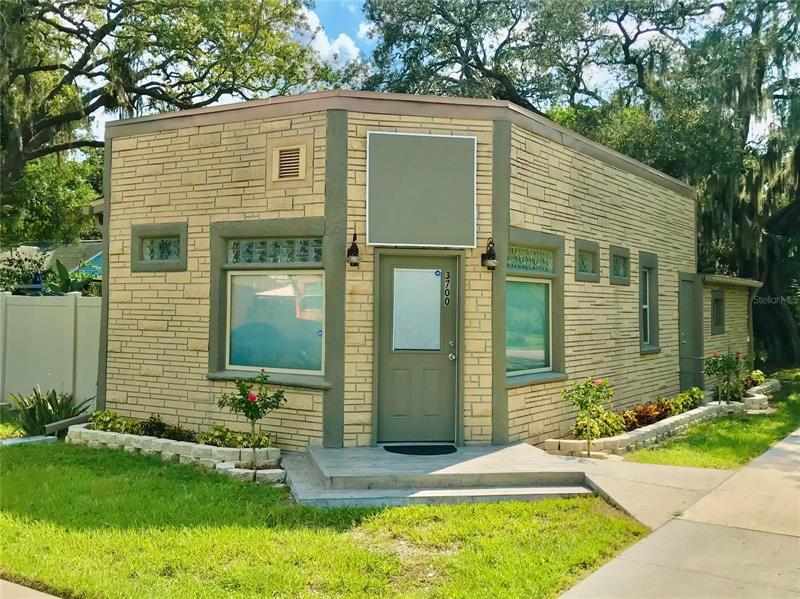 Image for property 3700 58TH AVENUE, ST PETERSBURG, FL 33714